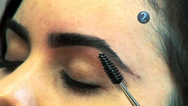 how-to-dye-your-eyebrows-2-wideplayer